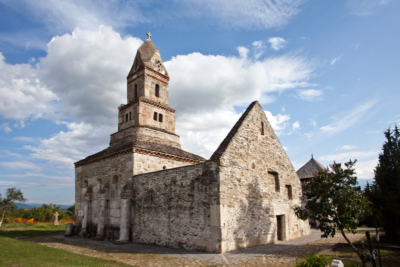 biserica-de-piatra-de-la-densus